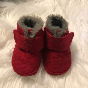 Toms Booties Shoes Red Fur Lined 02